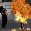В Азербайджане люди сжигают самих себя