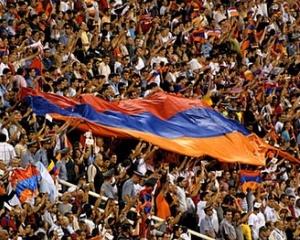 Сборная Армении проиграла датчанам